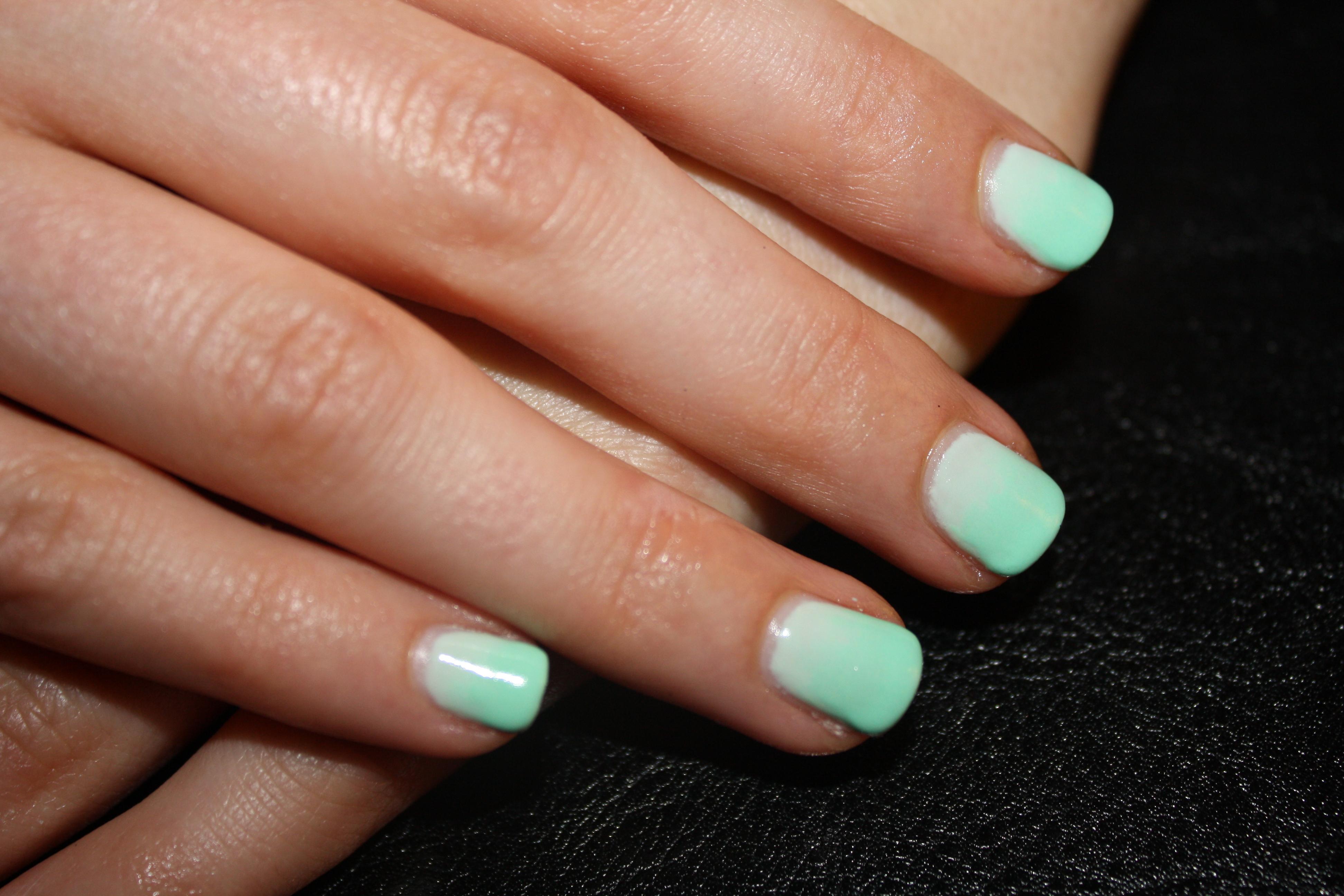 Mint Green Ombré Nails | Paint Me Pretty