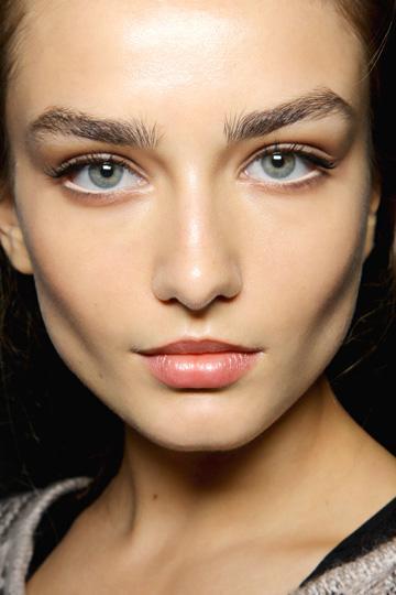 LookBook...: Beauty Tips: 5 Ways to Wear White Eyeliner